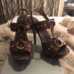Jessica Simpson Georgina Rugged Brown Heel